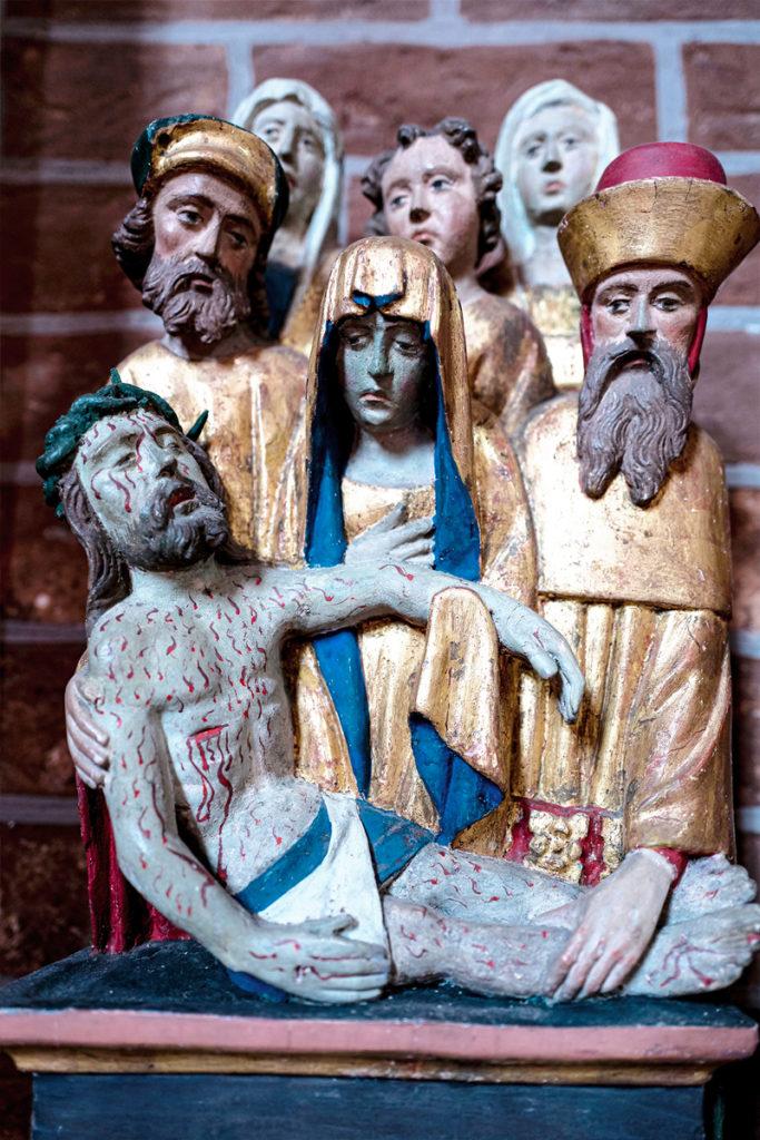 Eglise catholique - Nativité - Moyen Âge - Anniversaire