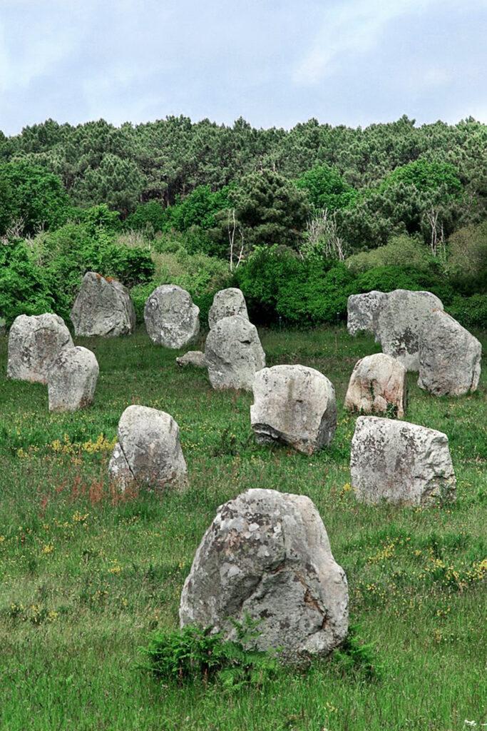Carnac et ses menhirs - Les 10 lieux les plus mystérieux de France